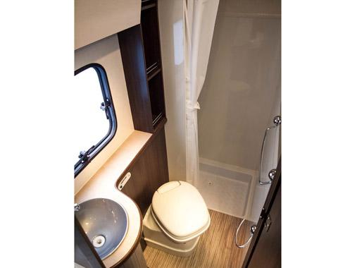 Verkauf von Reisemobilen für 6 Personen mit großem Bad