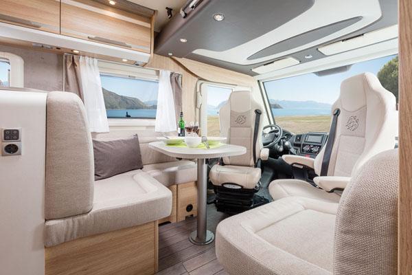 Premium Kategorie Wohnmobil Essbereich